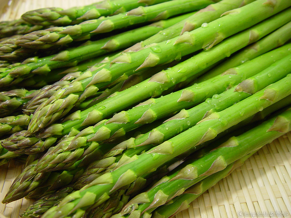 春のグリーンアスパラを美味しくお召し上がりいただくために(茹で方・保存方法・レシピ)