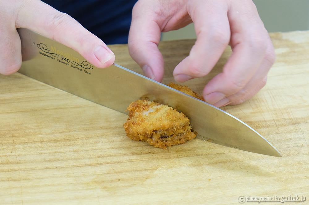 ハーフボイルホタテをフライに揚げてハンバーガーにする